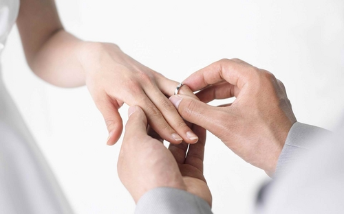 wedding-ring-hand-women.jpg